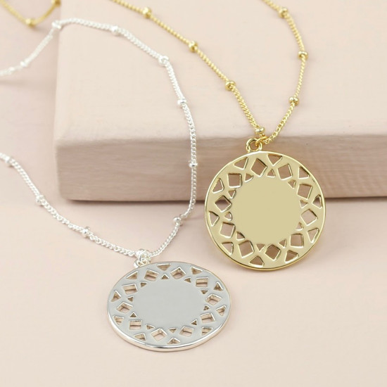 Shiny Aztec style Long Disc Necklace in Silver