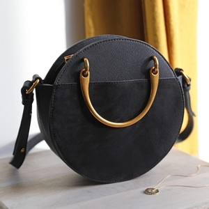 Round Brass Handle Shoulder Bag in Black