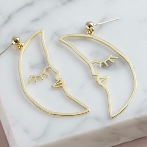 Sleeping Crescent Moon Face Drop Earrings in Gold