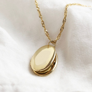 Oval Locket Necklace - Gold