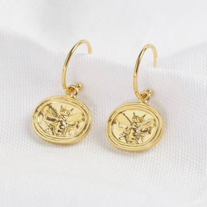 Wax Seal Bee Pendant Hoop Earrings in gold