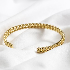 Plaited Bangle in Shiny Gold