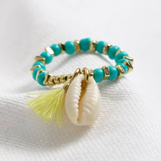 Shell stretch ring in turquoise