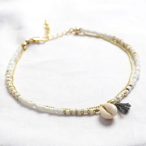 Multi Layer Anklet with shell and tassel in white