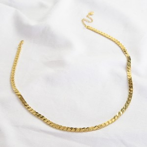 Luxe Flat Link Curb chain in gold necklace